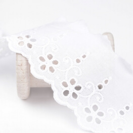 Broderie anglaise classique  - Blanc