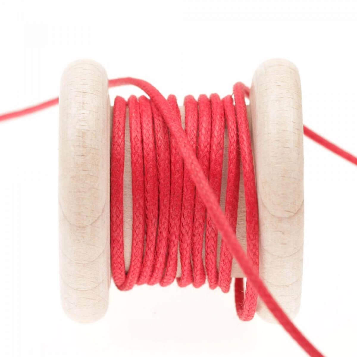 lacet aspect cuir au m tre rouge rococco mercerie car fil. Black Bedroom Furniture Sets. Home Design Ideas