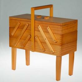 Travailleuse en bois 42 cm classique
