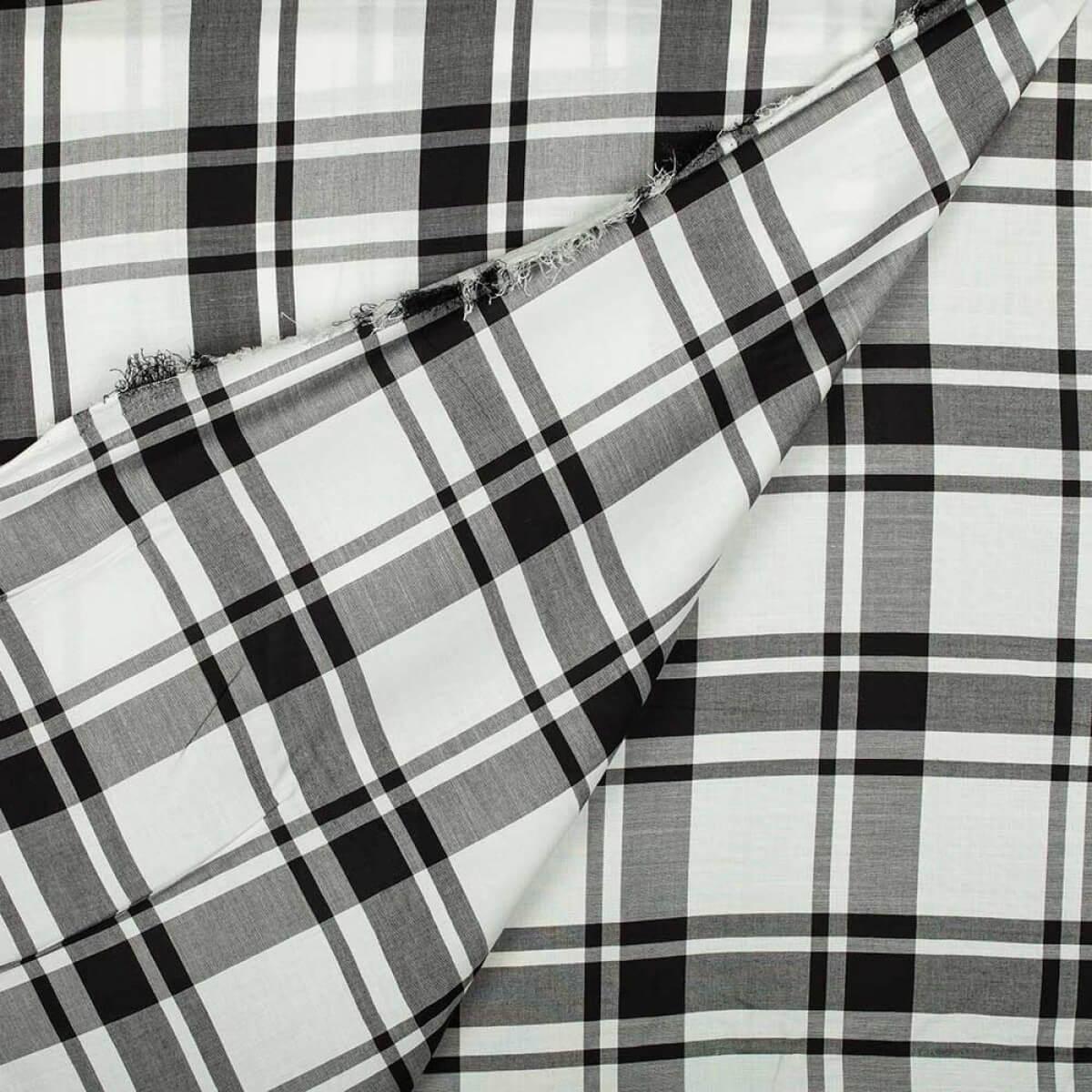 Tissu viscose carreaux noir blanc merceriecar for Tissu a carreaux