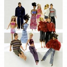 Patron habits de poupée assortis- Burda 8576